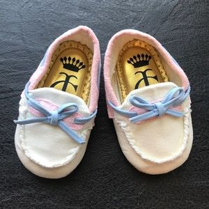 Juicy couture baby moccasins